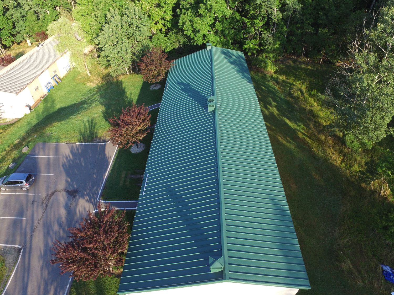 Standing Seam Metal Roof System For Commercial Buildings